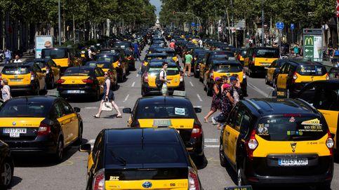 Taxistas de Barcelona se declaran en huelga indefinida en medio de fuertes altercados