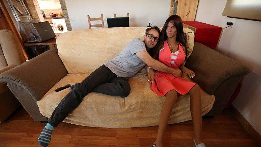 Foto: Sergi Santos, con una de sus creaciones.