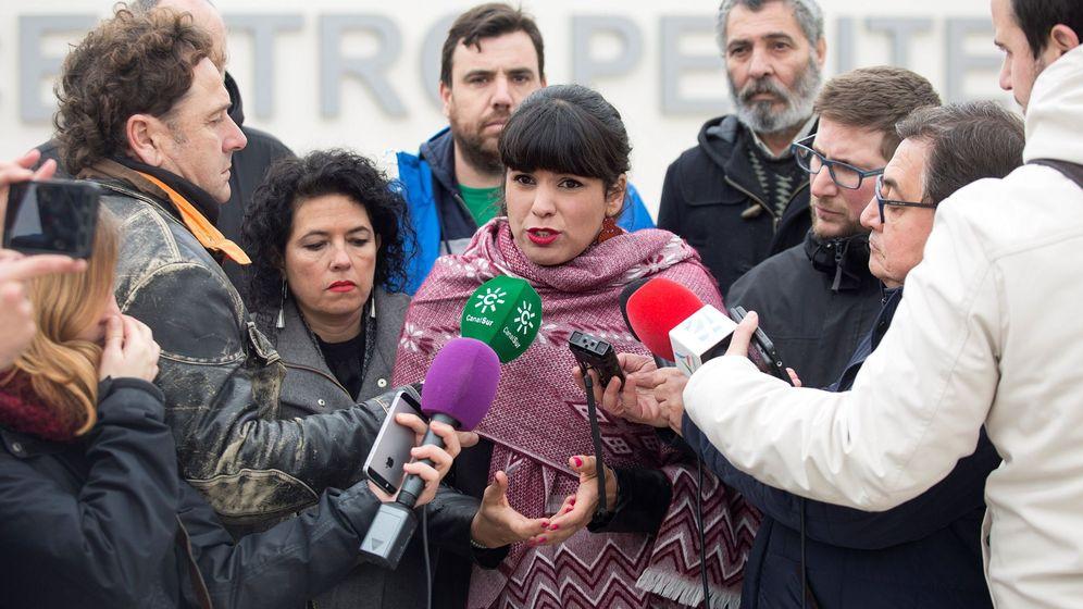 Foto: La coordinadora general de Podemos Andalucía, Teresa Rodríguez (c). (EFE)