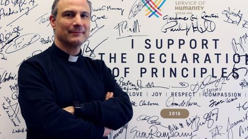 Running en la plaza de San Pedro: el cura español que ha puesto a correr al Vaticano