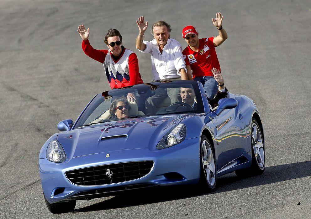Foto: Camps y Barberá a bordo de un Ferrari California junto a Fernando Alonso y Felipe Massa