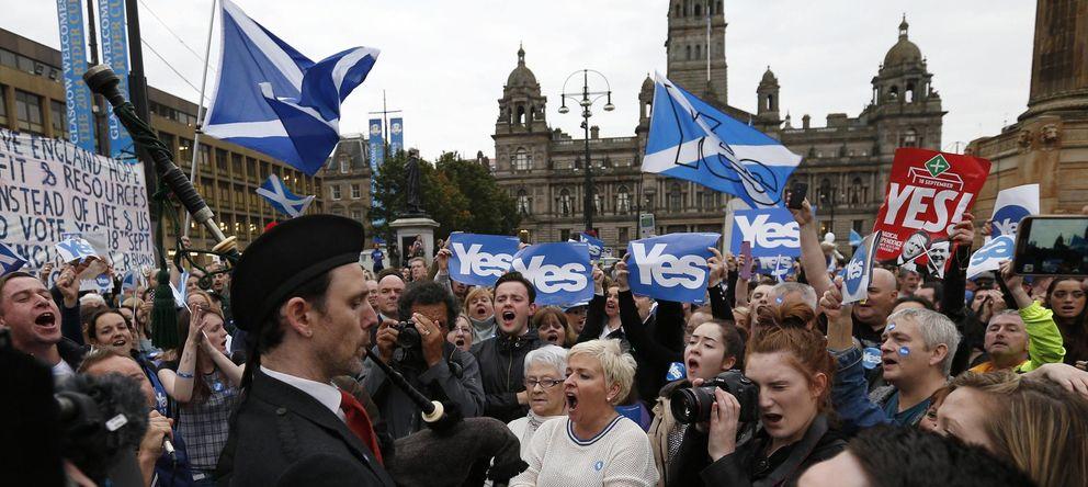 Foto: Activistas por el sí a la independencia se congregan en George Square, en Glasgow, Escocia, este 16 de septiembre. (Reuters)