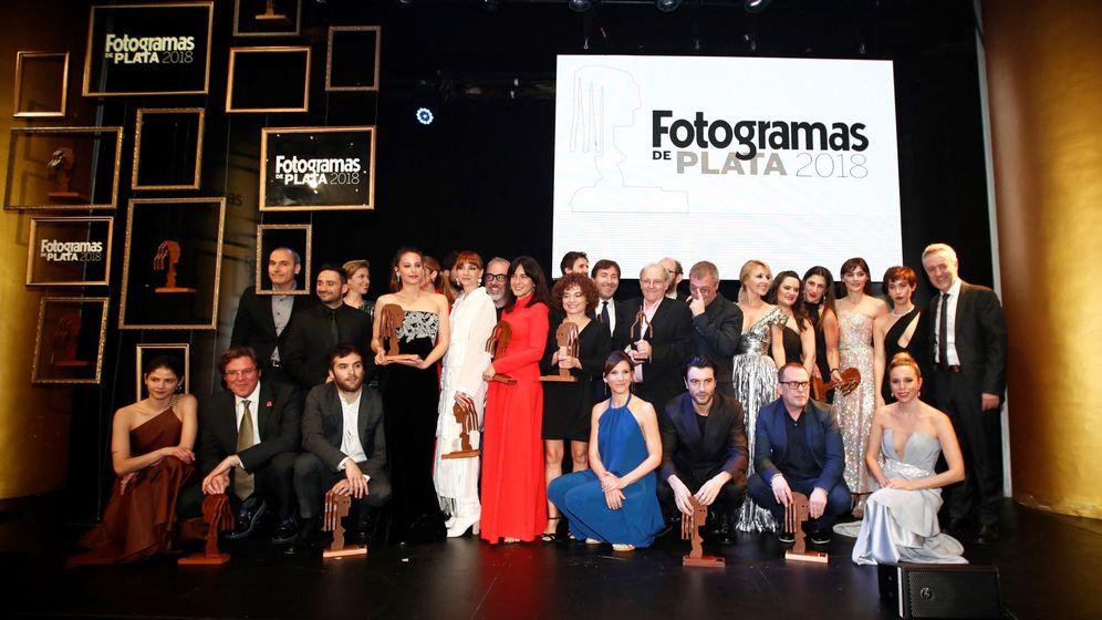 Foto: Los galardonados posan con los premios Fotogramas de Plata 2018. (Efe)