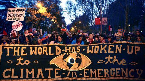Greta se une a miles de personas en una gran marcha por el clima en Madrid
