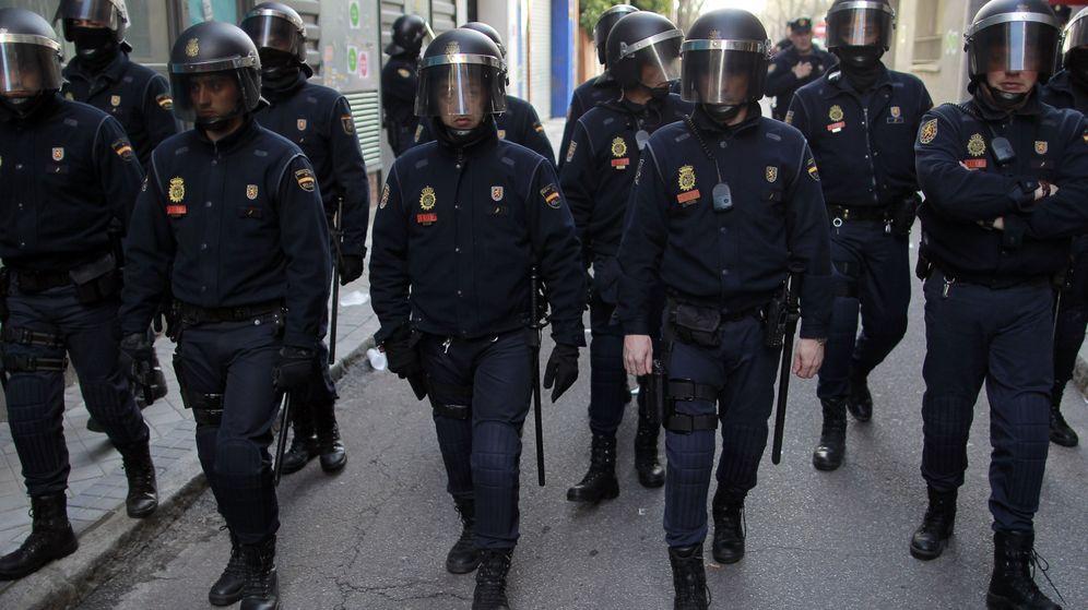 Foto: Un grupo de antidisturbios, en las calles de Barcelona.