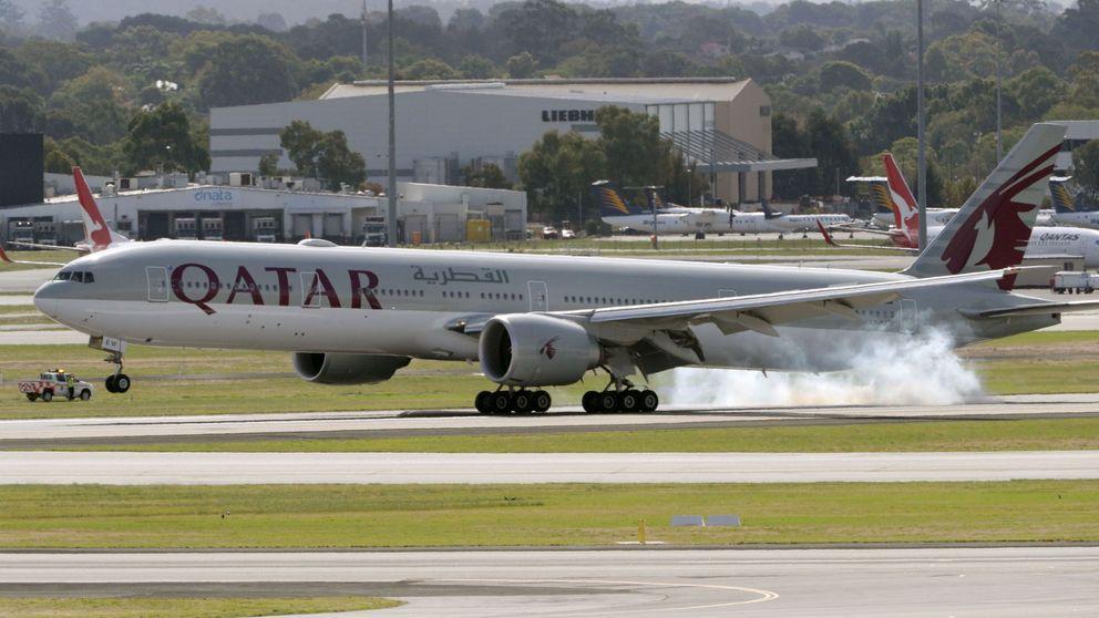 El último enredo con un avión de Madrid: la aduana niega que frenara el material