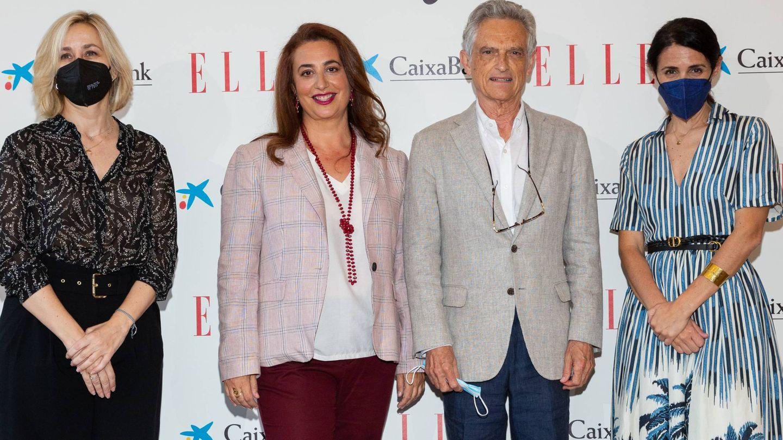 Rojas Marcos, con su hija y algunas asistentes. (Cortesía)