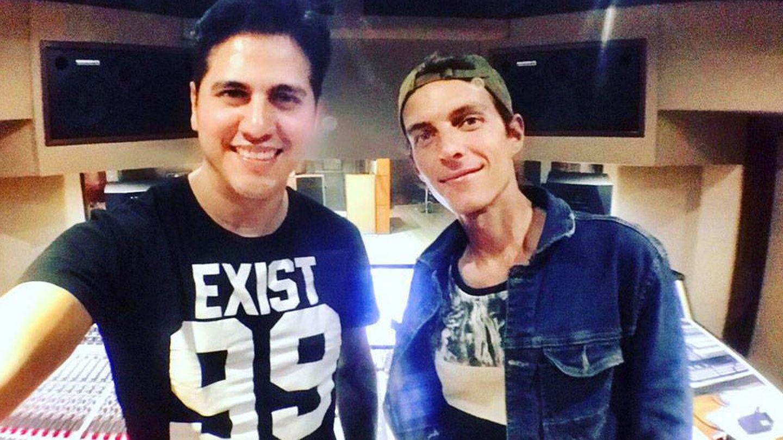 Adrián Reyes, productor de su disco, y Camilo Blanes. (Instagram)