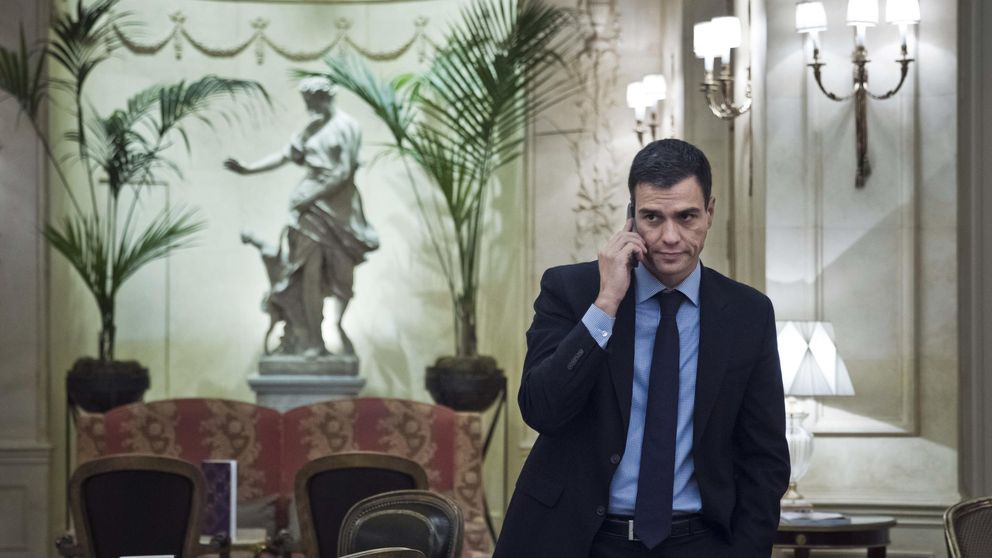 Lío de WhatsApp con los partidos: cierra cuentas a PSOE y PP y reactiva a Podemos