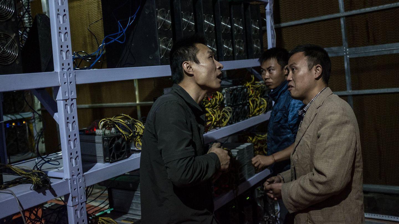 Dentro de una mina de criptomonedas en China. Foto: Reuters.