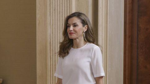 La increíble colección de camisas blancas de la Reina Letizia: tiene más de 40