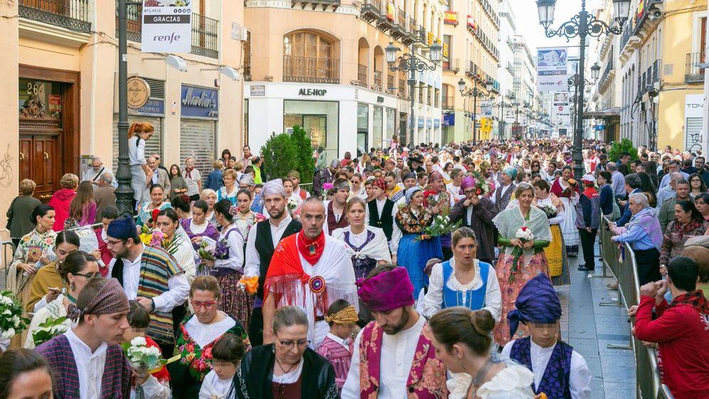 Foto: Ofrenda de flores a la Virgen del Pilar en 2018 (Efe)