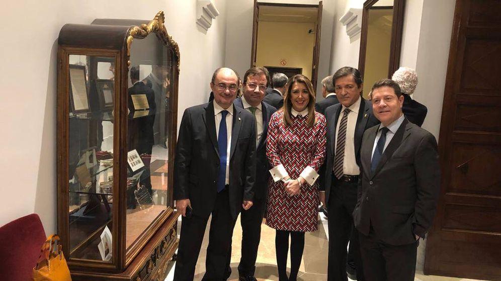 Foto: Javier Lambán, Guillermo Fernández Vara, Susana Díaz, Javier Fernández y Emiliano García-Page, el 6 de diciembre de 2018. (EFE)