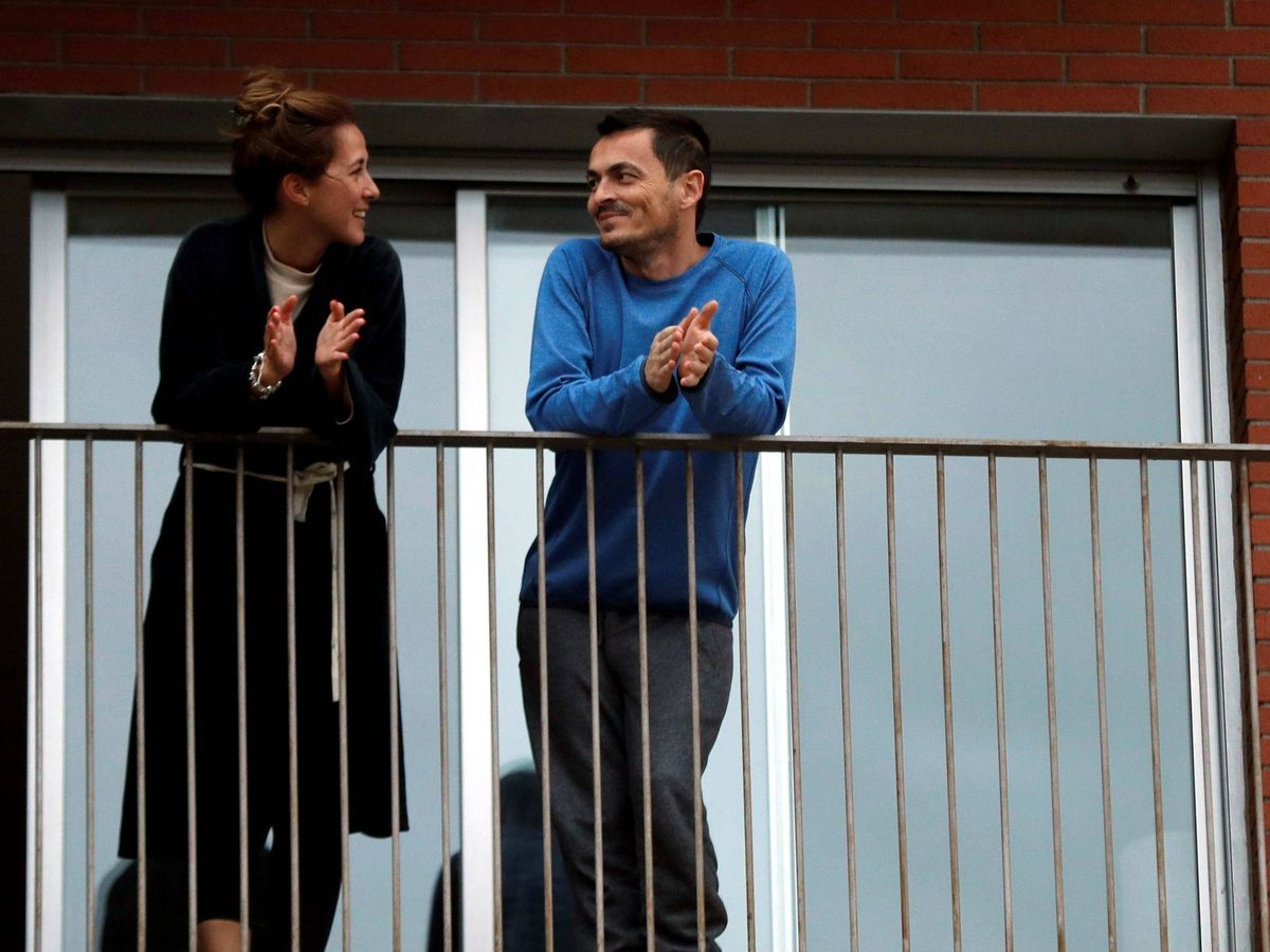 Foto: Una pareja de L'Hospitalet (Barcelona). (EFE)