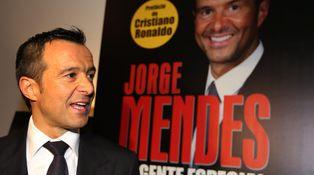 Florentino se cansa de hacer el primo mientras Mendes ejerce de 'agente doble'