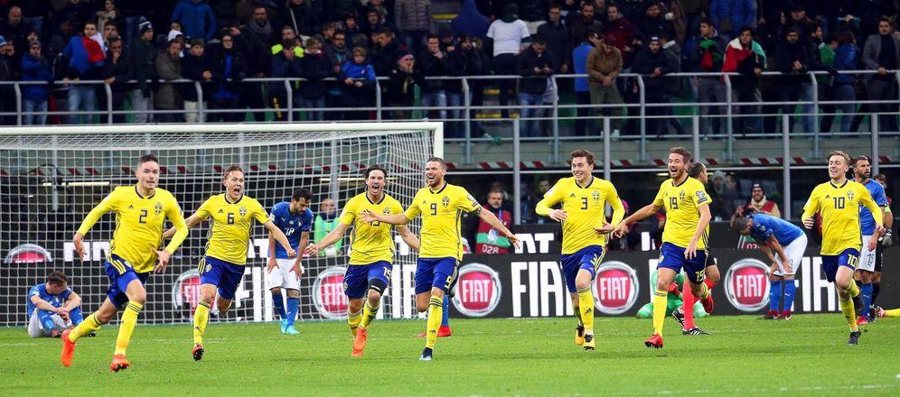 Foto: Jugadores de Suecia celebran el triunfo logrado ante Italia. (EFE)