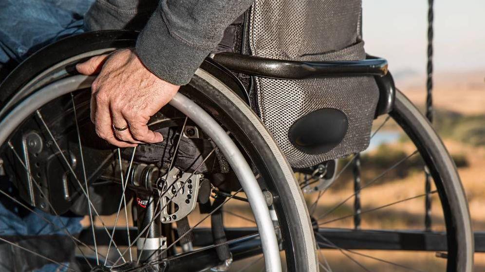 Foto: Imagen de archivo de un hombre en silla de ruedas. (Pixabay)