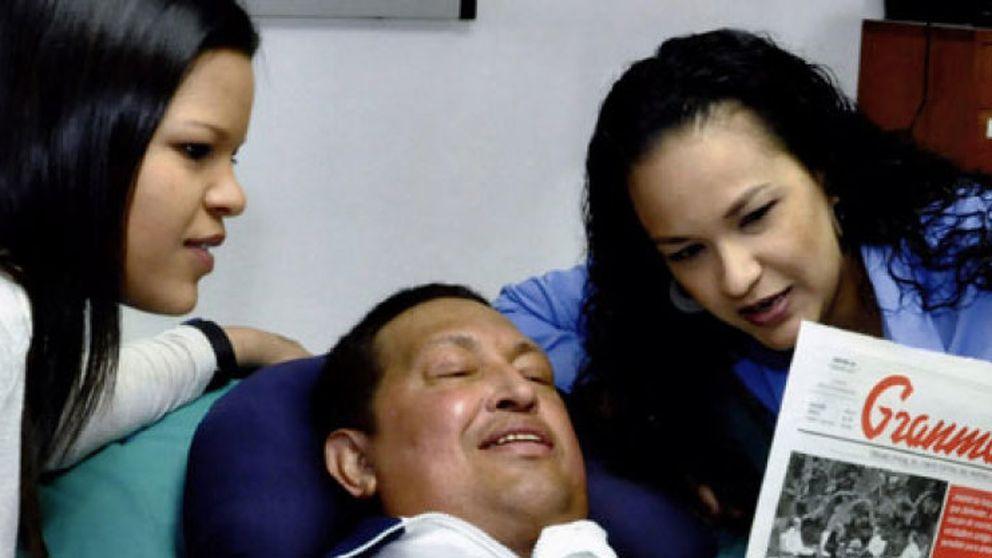 El presidente Hugo Chávez regresa a Venezuela