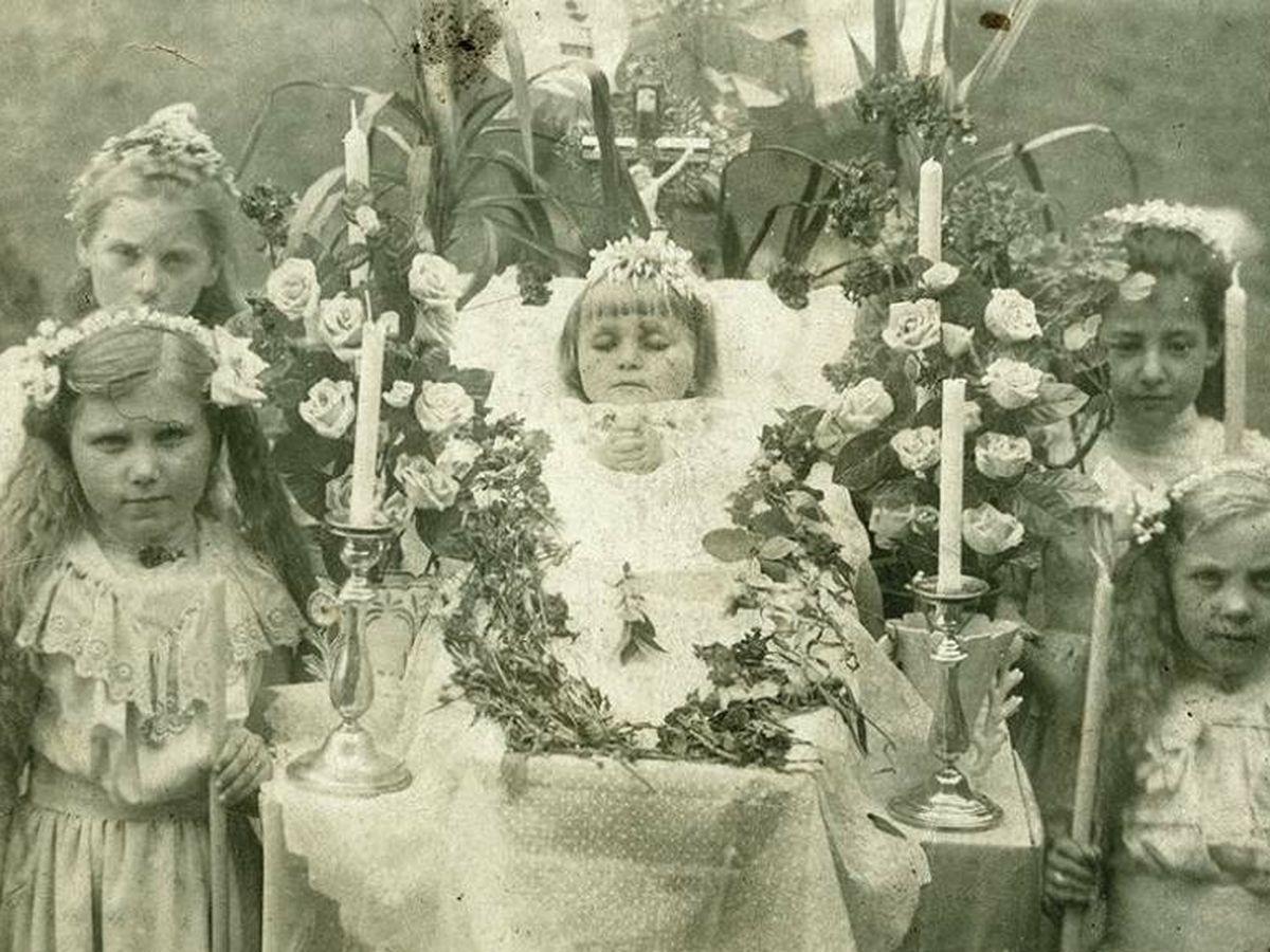 Foto: Gelatina RQ, 1890-1920. Tarjeta postal. (Titilante)