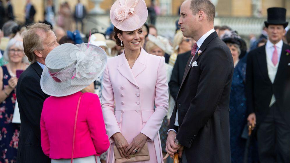 Foto: Los duques de Cambridge durante la Garden Party. (Reuters)