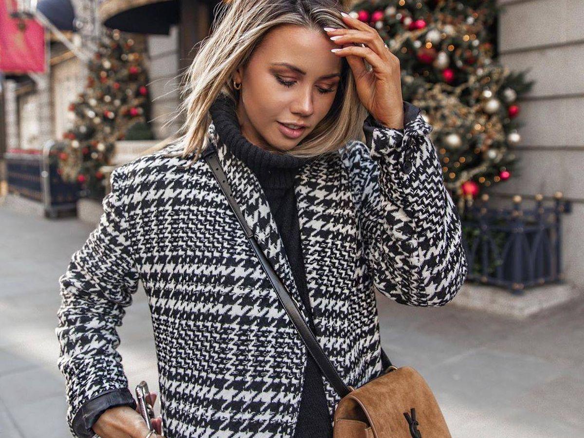 Foto: Influencer londinense con el abrigo más trendy. (@coppergarden)