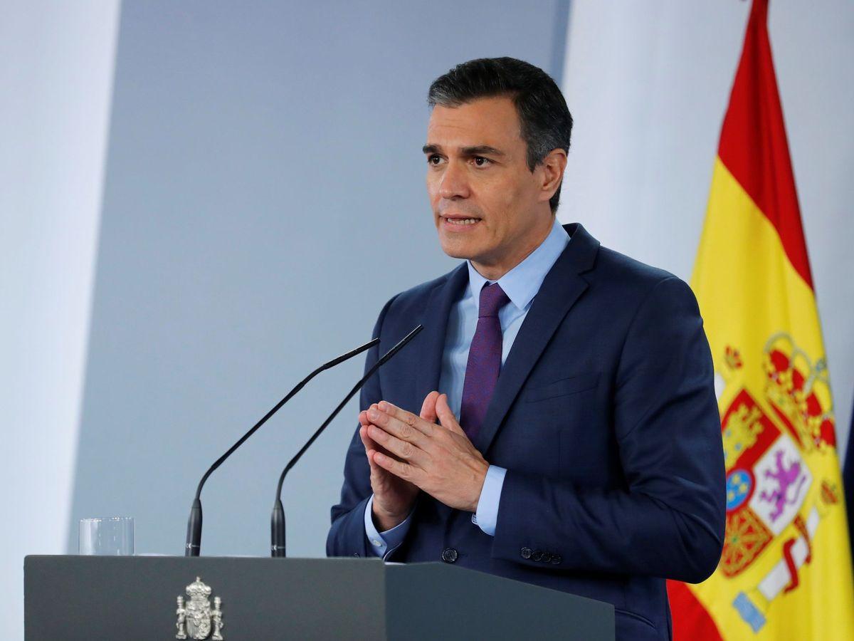 Foto: El presidente del Gobierno, Pedro Sánchez, este mediodía en el Palacio de la Moncloa. (EFE)