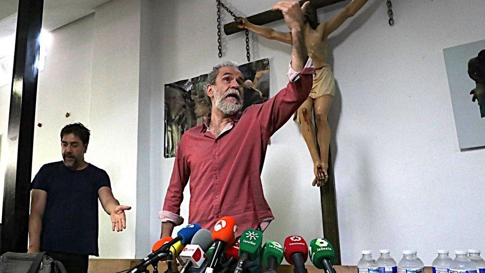 Foto: El actor Willy Toledo (d), junto a su colega Javier Bardem, durante la rueda de prensa. (EFE)