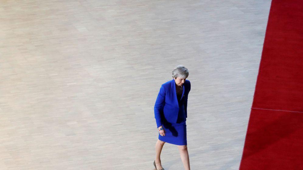 Foto: Theresa May, a la entrada de la cumbre del Brexit. (Reuters)