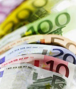 Foto: El euro se mantiene estable por la tarde en Fráncfort en 1,3224 dólares