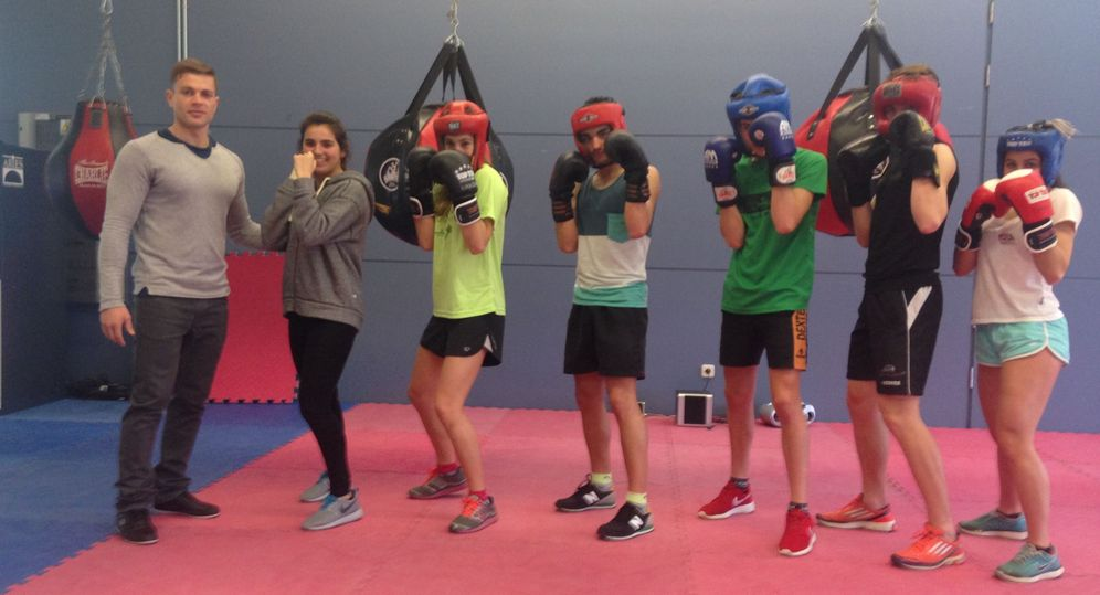 Foto: Nueve triatletas se apoyan en el boxeo para potenciar su competitividad (Foto cedida por Subetudeporte)