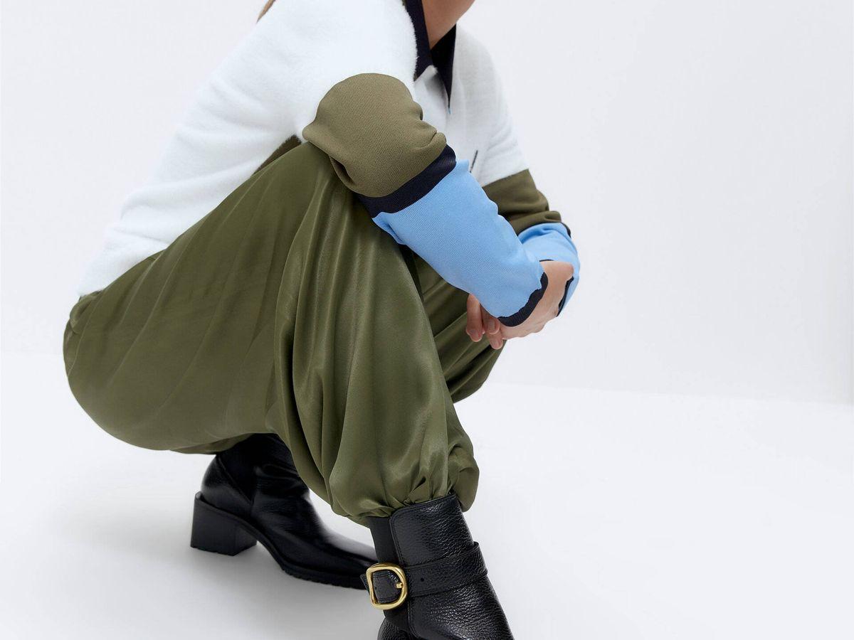 Foto: Estos botines de tacón de Uterqüe son tan cómodos como unas zapatillas deportivas. (Cortesía)