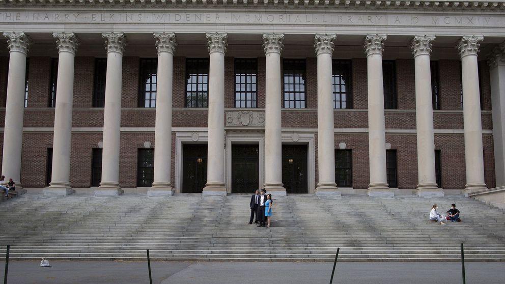Una nueva norma forzaría a los alumnos extranjeros con clases en línea a dejar EEUU