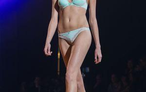 La lencería de Natalia Vodianova enciende la Semana de la Moda de París