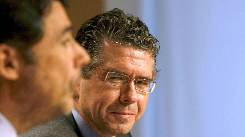 Foto: El exconsejero madrileño Francisco Granados, junto al expresidente de la Comunidad, Ignacio González. (EFE)