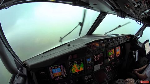 Así se aterriza un Boeing 737 en Palma de Mallorca atravesando una cortina de agua