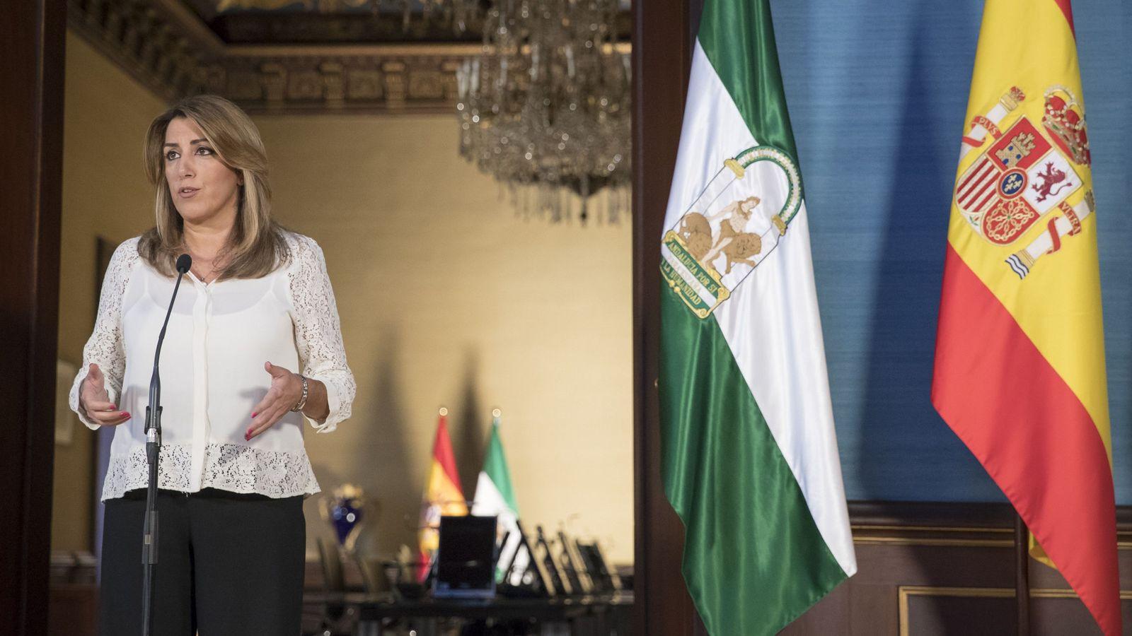 Foto: La presidenta andaluza, Susana Díaz, durante la declaración institucional hoy en el Palacio de San Telmo en Sevilla. (EFE)