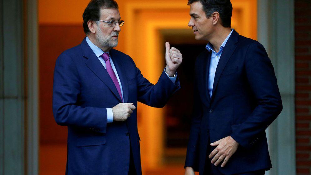Foto: Mariano Rajoy y Pedro Sánchez en 2017. (Reuters)