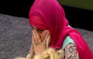 Más problemas para Shaima: Por tener pañuelo se te respeta más