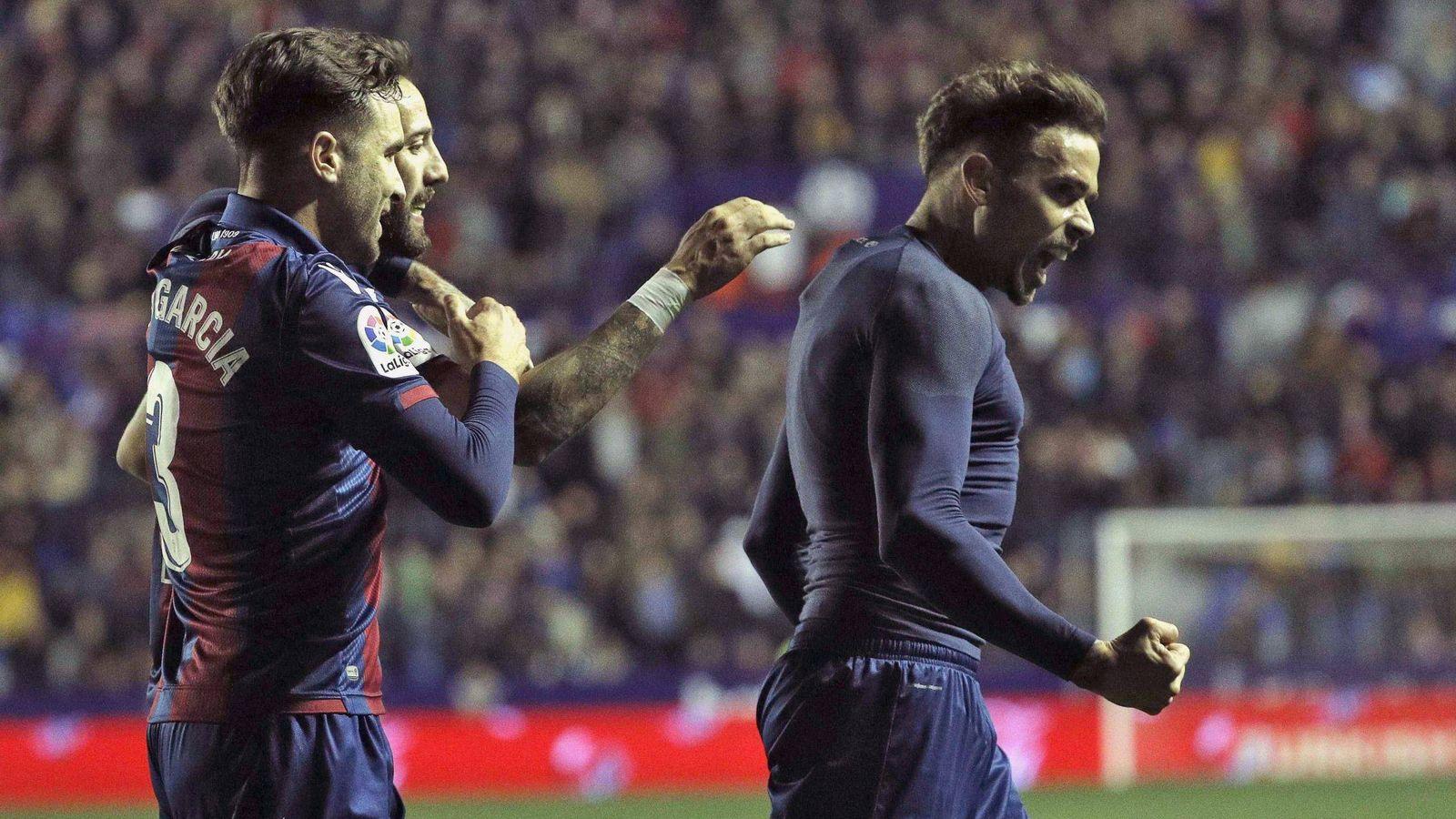 Foto: Jugadores del Levante celebran un gol. (EFE)