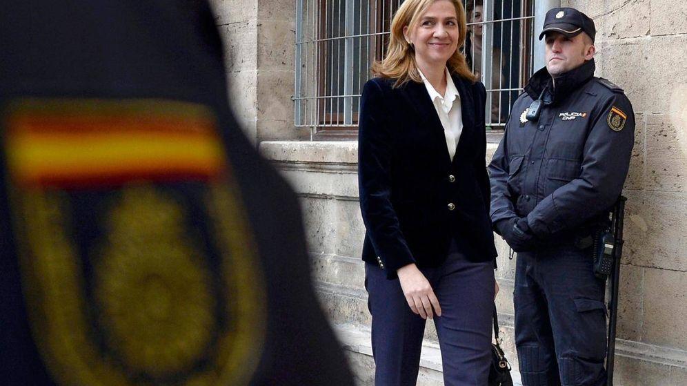 Foto: La infanta Cristina, el primer día que declaró ante un tribunal en Palma de Mallorca (Gtres)