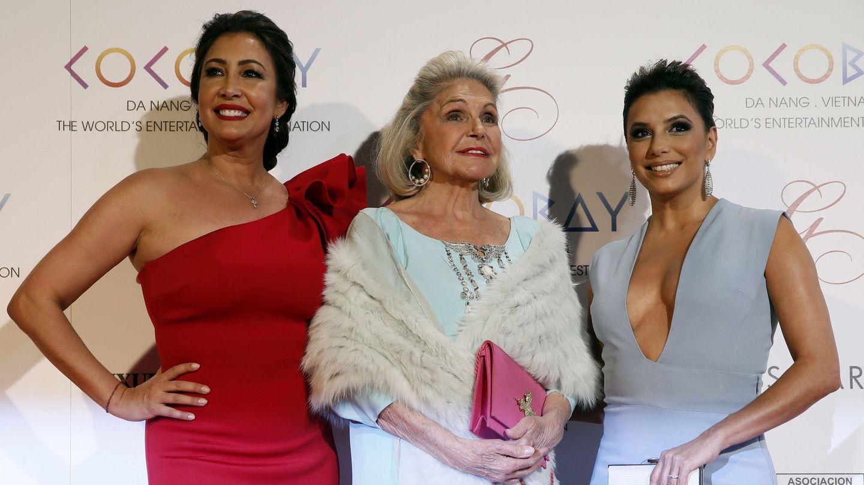 Eva Longoria, María Bravo y Beatriz de Orleans, en la Global Gift Gala Madrid 2017. (EFE)