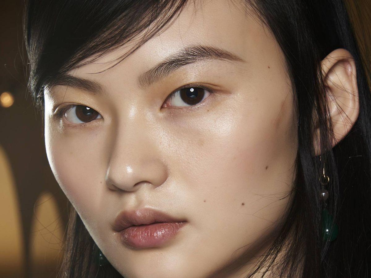 Foto: La cream skin se consigue con la rutina de cuidado previa al maquillaje. (Imaxtree)