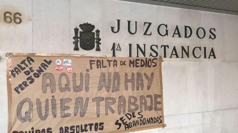 Juzgados vacíos, ciudadanos confusos... Más de 3.500 jueces y fiscales secundan la huelga