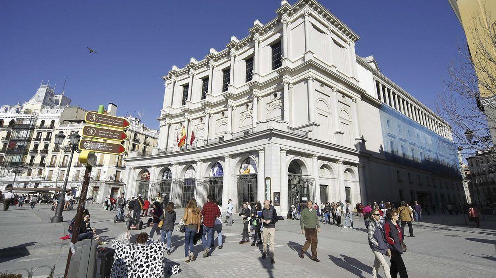 Foto: Fotografía de la fachada principal del Teatro Real de la plaza de Oriente de Madrid. (EFE)