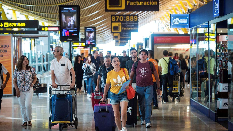 España recibe el mayor flujo de inmigrantes desde 2008: 288.000 personas hasta junio