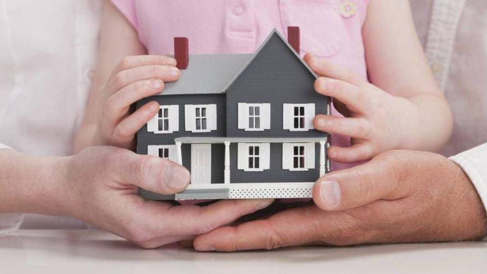 Foto: ¿Puede hipotecarse un inmueble que está a nombre de dos menores de edad? (Corbis)