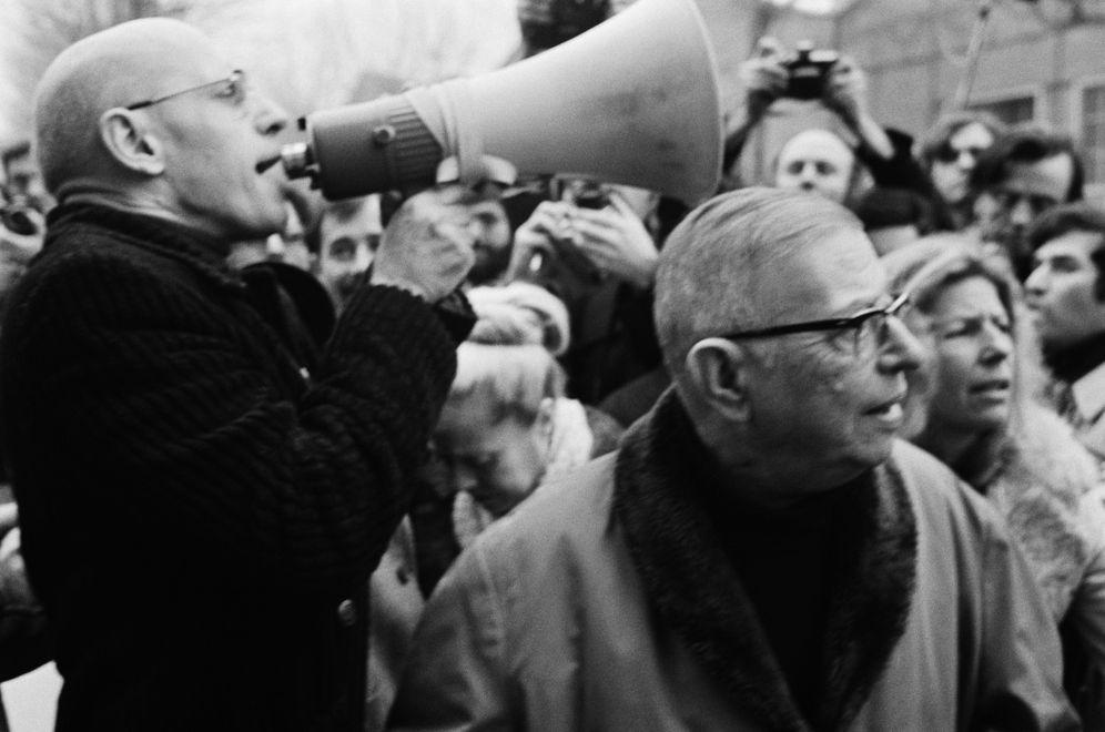 Foto: Michel Foucault con Jean-Paul Sartre. (Marc Simon/Apis/Sygma/Corbis)