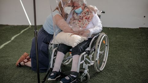De Canarias a Castilla y León, autonomías que limitaron la hospitalización de ancianos