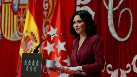 Isabel Díaz Ayuso se atreve con el 'boob suit', su apuesta más Hollywood