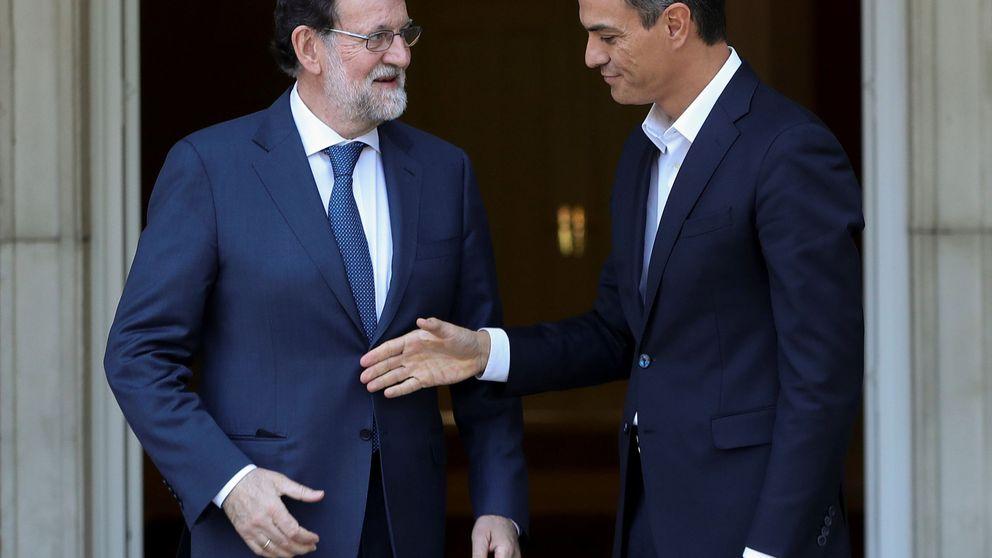 Sánchez se 'olvida' del 155 y exige a Rajoy que hable con Puigdemont y con todos